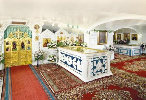 Гробница Иоанна Кронштадтского