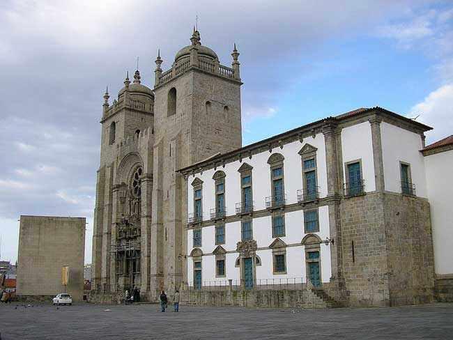 Порту.Кафедральный собор