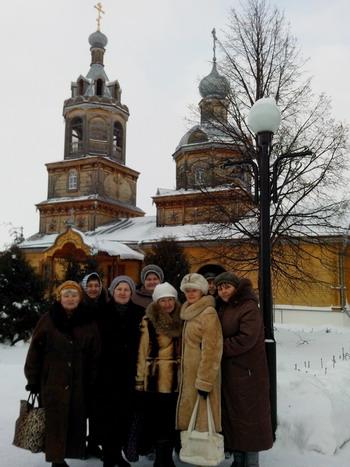 Паломники в Цивильском женском монастыре