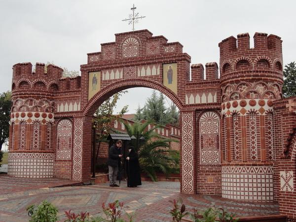 Паломнические поездки к старцам и чудотворцам не имеют никакого отношения к Русской Православной Церкви - Чувашская Митрополия Паломнический отдел