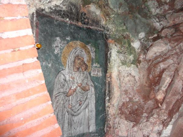 Икона Божией Матери в пещере. Монастырь Петрас