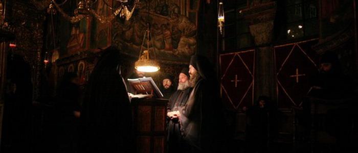 Афон. Монахи. Служба