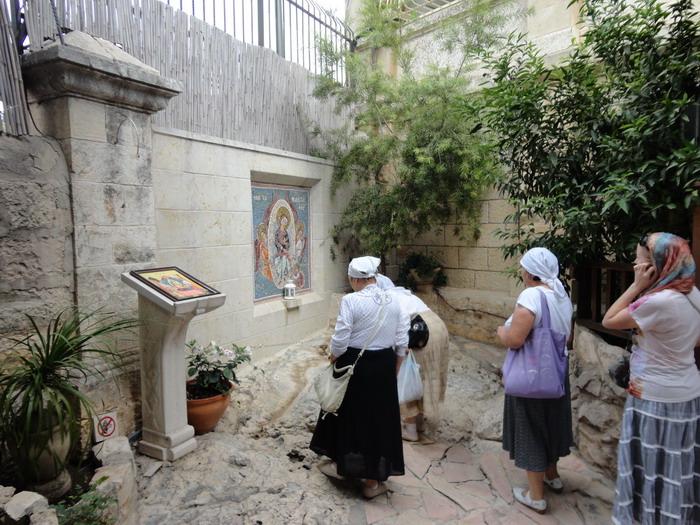 Место, на которое упал пояс Богородицы. Монастырь святой Марии Магдалины в Гефсимании. Иерусалим