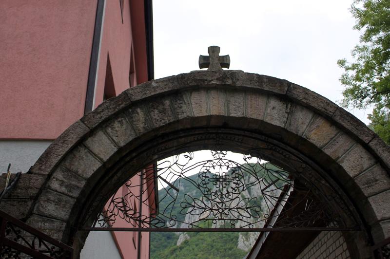 Монастырь Преображения Господня. Овчаро-Кабларское ущелье. Сербия