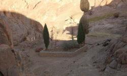 Церковь и источник Илии Пророка на Синае