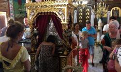 Храм Успения Пресвятой Богородицы, куда сползаются змеи. Кефалонья